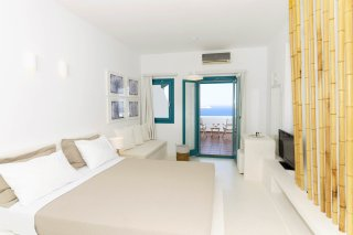 sea-view-suite-02